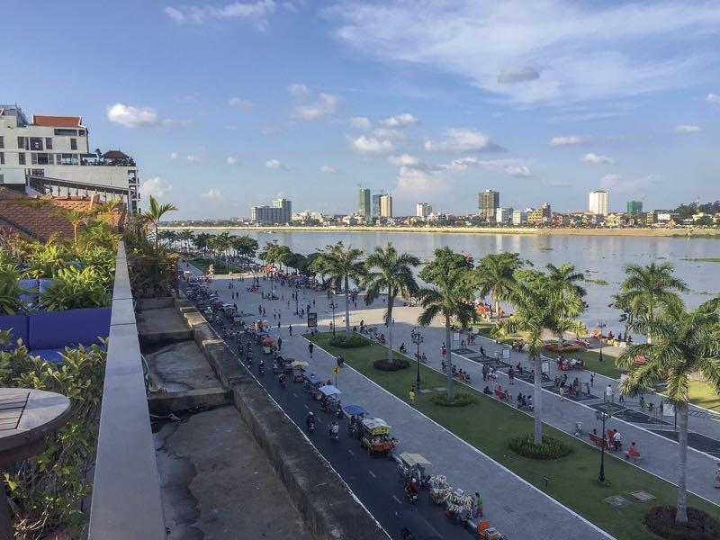 come andare da sihanoukville a phnom penh
